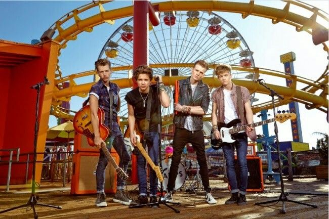 #TheVamps