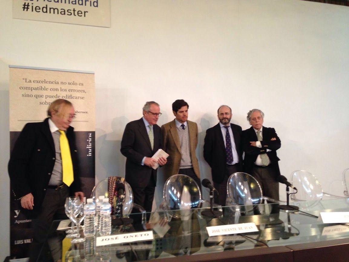 Presentación de de 'DESAPEGO Y LIBERTAD' de Luis Valls-Taberner en la Fundación Diario Madrid.