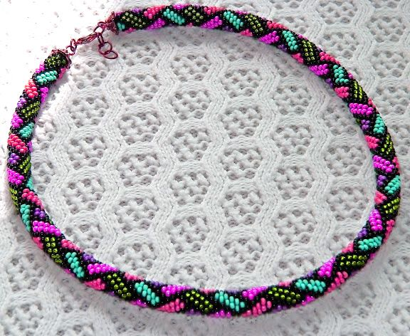 """Free pattern for beaded crochet rope Mallow"" 9 round crochet rope, lists threading pattern. A."