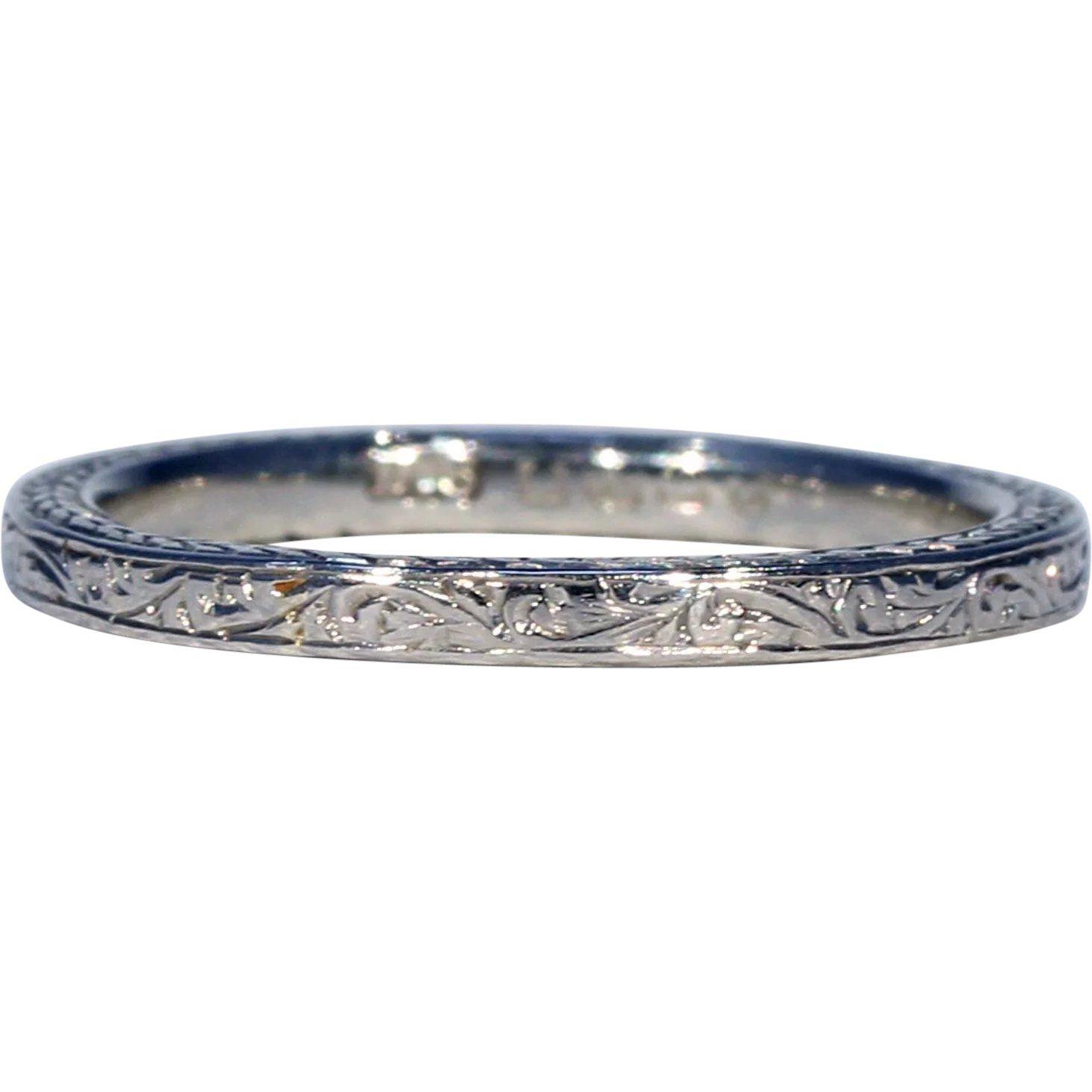 Art deco 18k white gold engraved wedding band ring