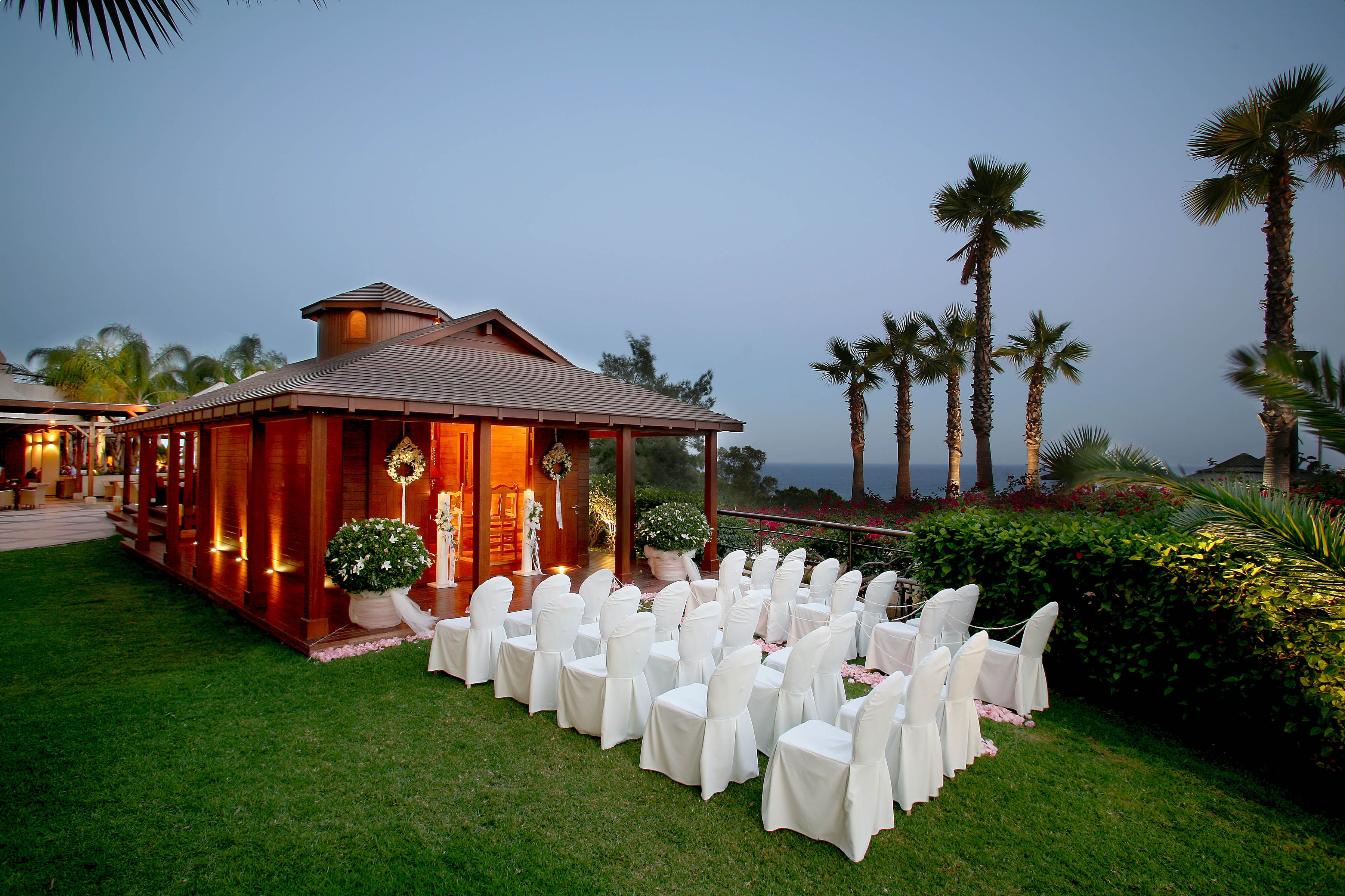 Any Denomination Wedding Can Take Place In This Pretty Chapel Located The Gardens Overlooking