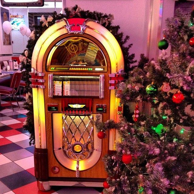 rockin around the christmas tree float ideas | Rockin around the Christmas Tree