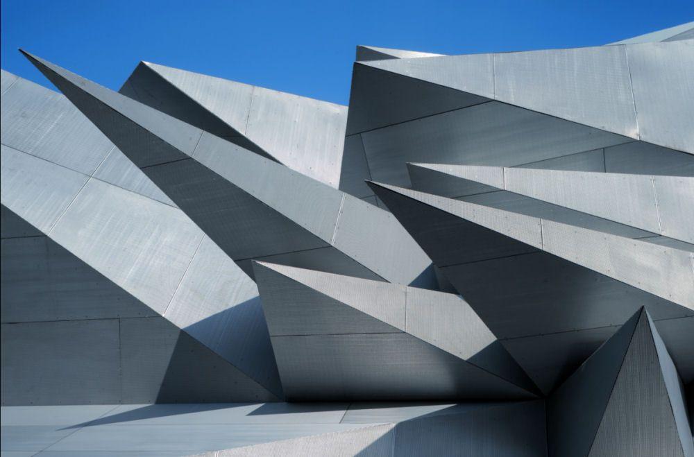 Pavilion 21 MINI Opera Space COOP HIMMELB(L)AU Wolf D. Prix & Partner ZT GmbH. Munich, Germany.
