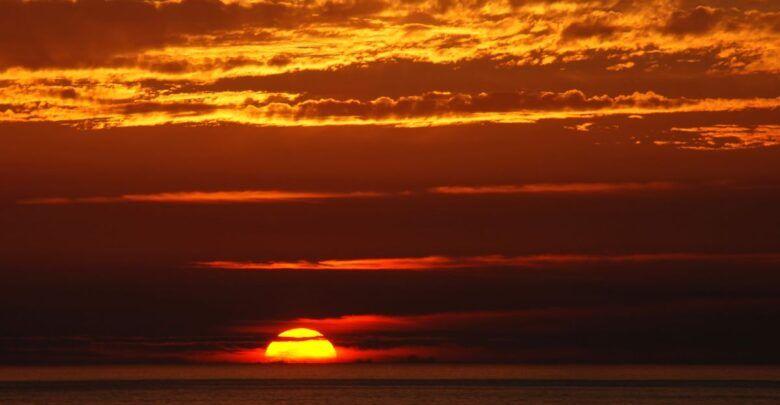 10 مسجات مسائية دينية قصيرة جميلة جدا Celestial Sunset Outdoor