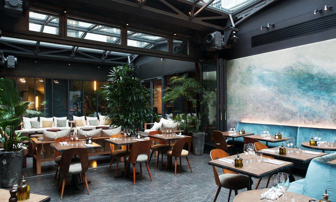 L Hotel National Des Arts Et Metiers Art De Vivre Intemporel The Socialite Family Restaurant De Luxe Interieur De Restaurant Design De Restaurant