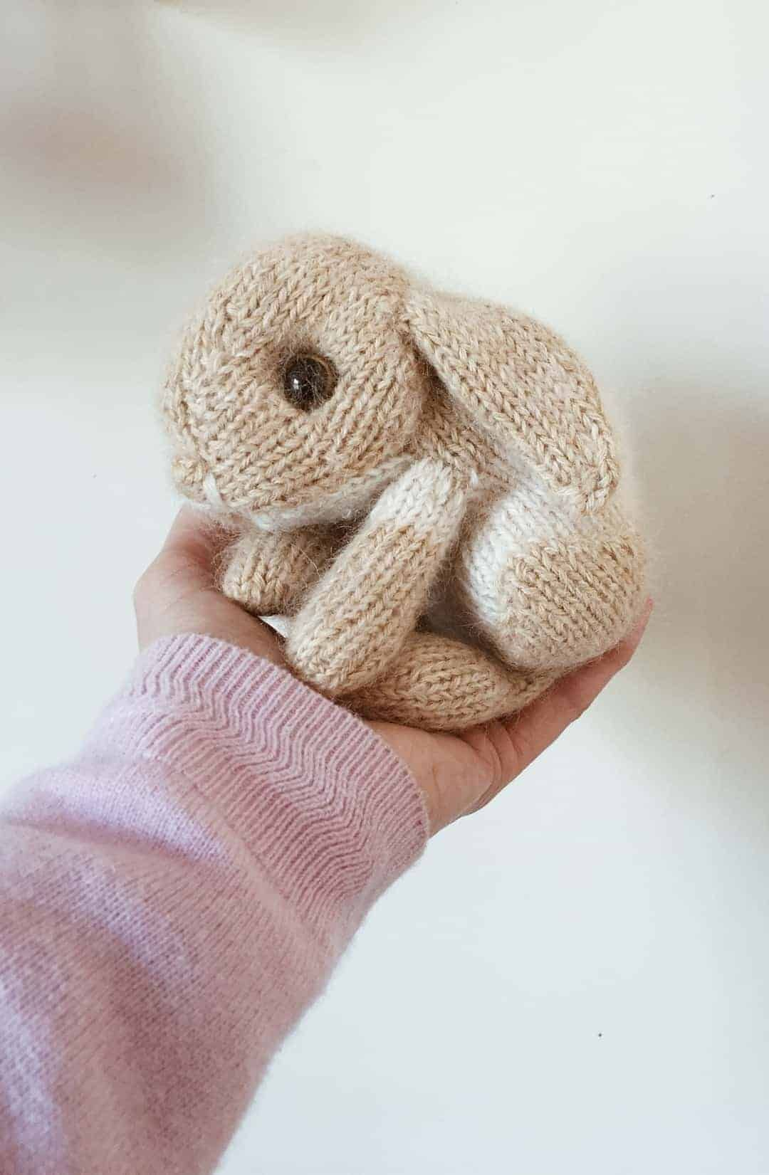 Free knitting patterns for Autumn - From Britain with Love