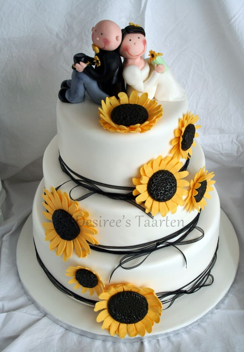 cute wedding cake sunflower wedding cake wedding plans amp ideas 13271