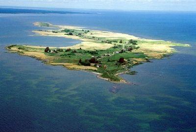 Manija island