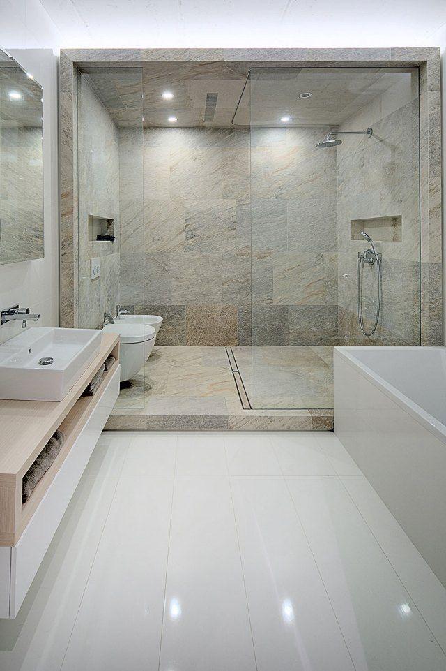 Badgestaltung Modern Duschebereich Fliesen Teinoptik Glas