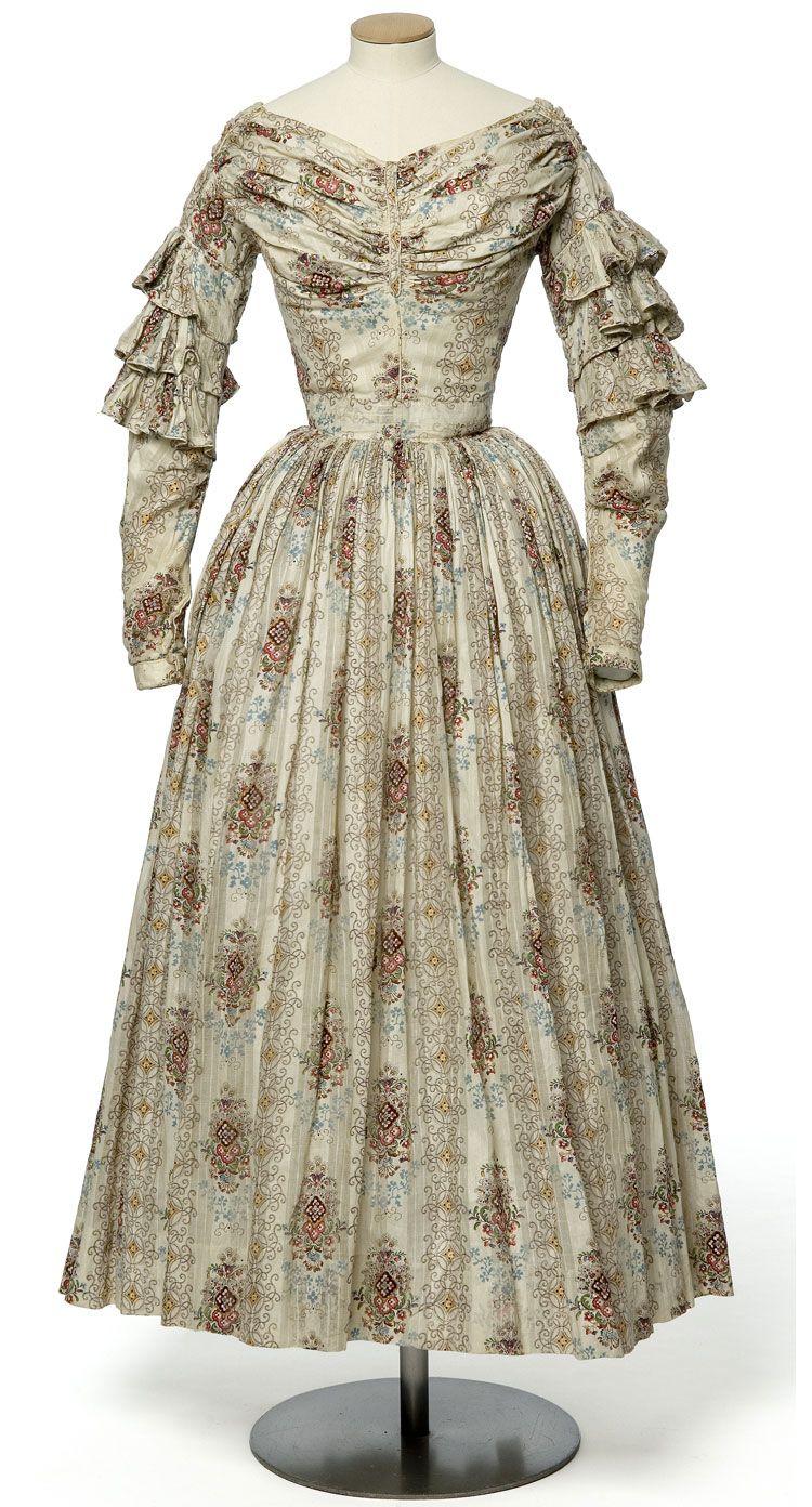 Summer Dress Ca 1840 France Les Arts Decoratifs Historical Dresses Victorian Fashion Fashion History [ 1392 x 750 Pixel ]