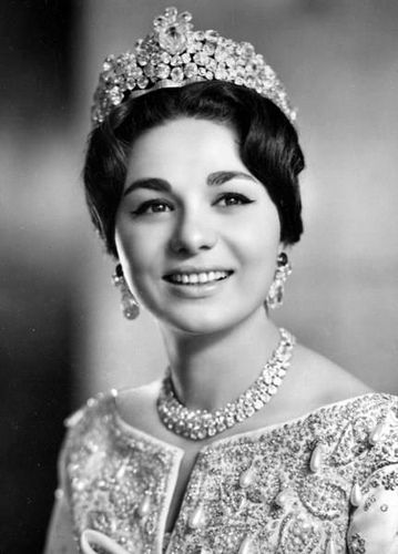 Image result for farah pahlavi young