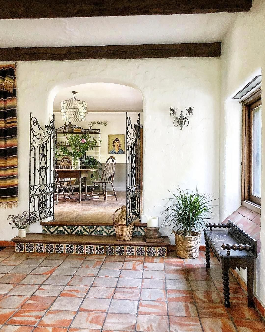 Spanish Style Homes With Metal Roof Spanishstylehomes Spanish Home Decor Spanish Style Interiors Hacienda Style Homes