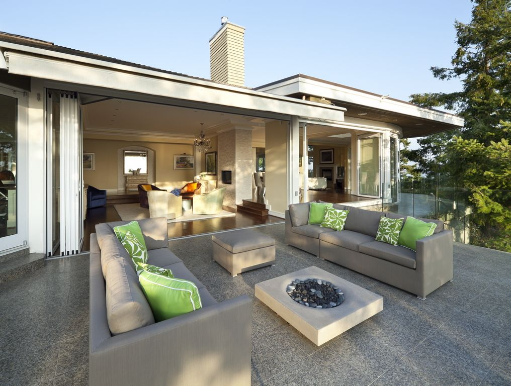 Pacific Northwest Residence Indoor Outdoor Living Residential Design Patio Layout Design