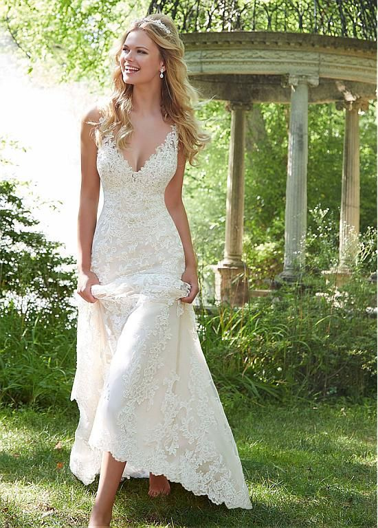 40 Timeless Lace Wedding Dresses with Amazing Details #spitzeapplique
