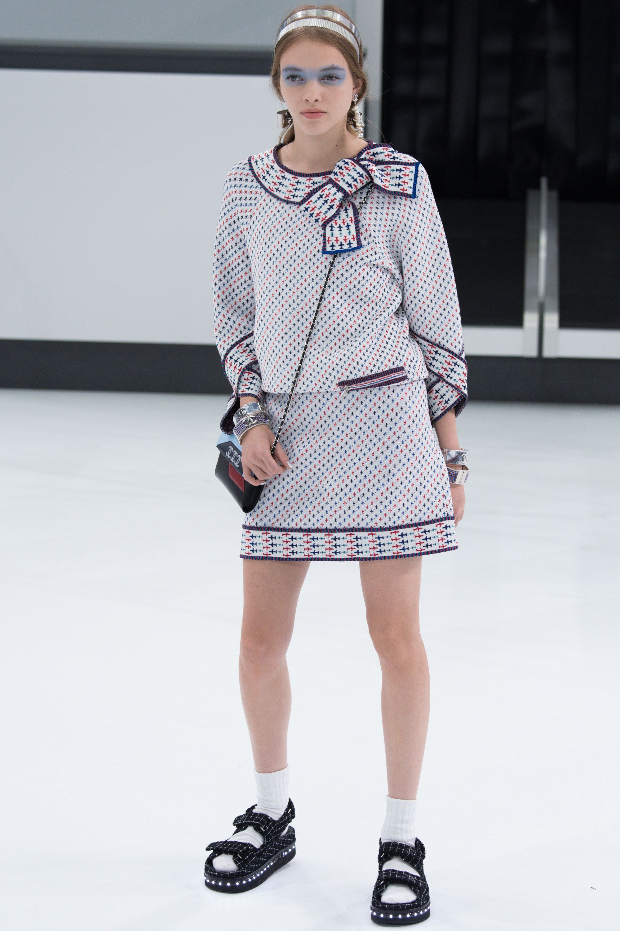 Chanel Spring 2016 Ready-to-Wear Fashion Show - Kitty Hayes