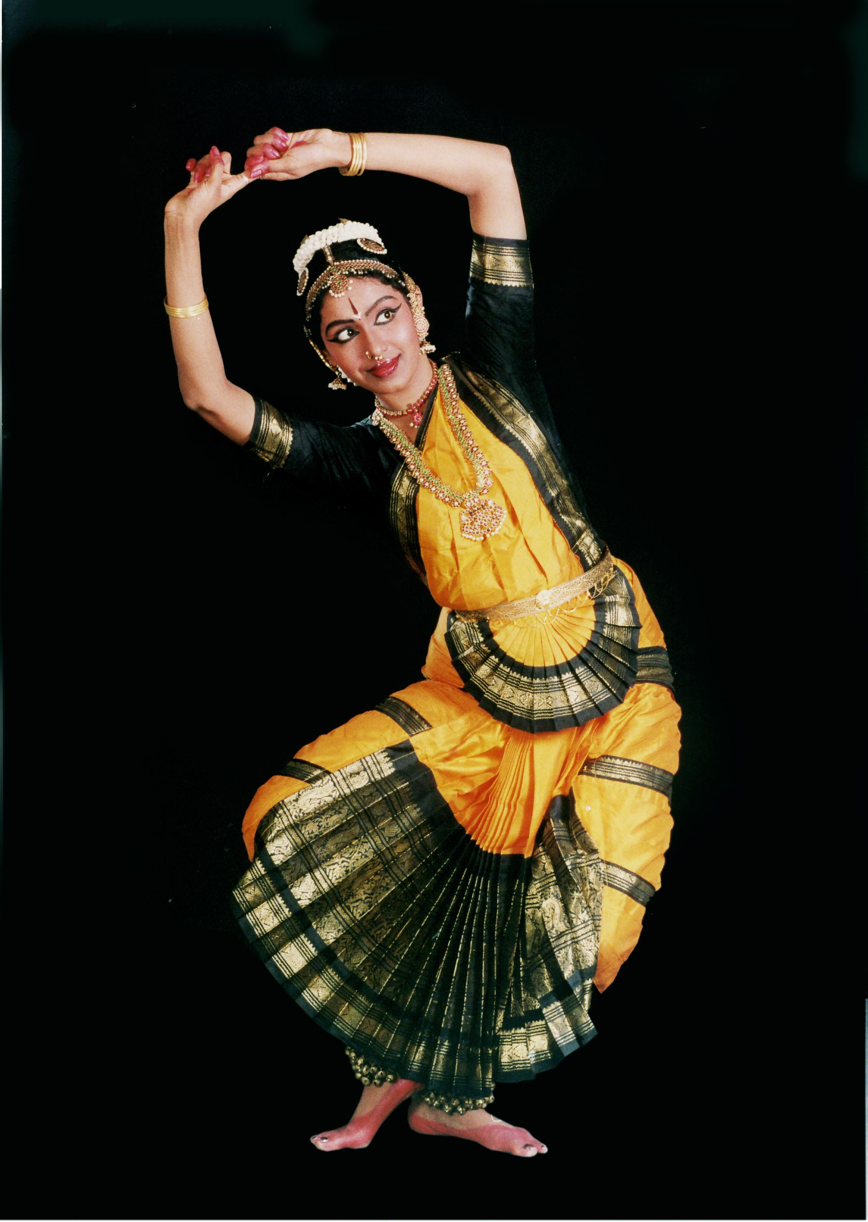essay on classical dances of india Indian music has essentially been known to be performed through three modes : vocal music, instrumental music, and dance all the three mediums of music are prevalent in the two prominent kinds of indian classical music, namely the north indian classical music or the hindustani classical music, and the classical music of south india or the.
