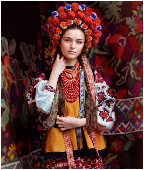Дрес-код 07.10.2015 - українське національне вбрання  837260f9aa136