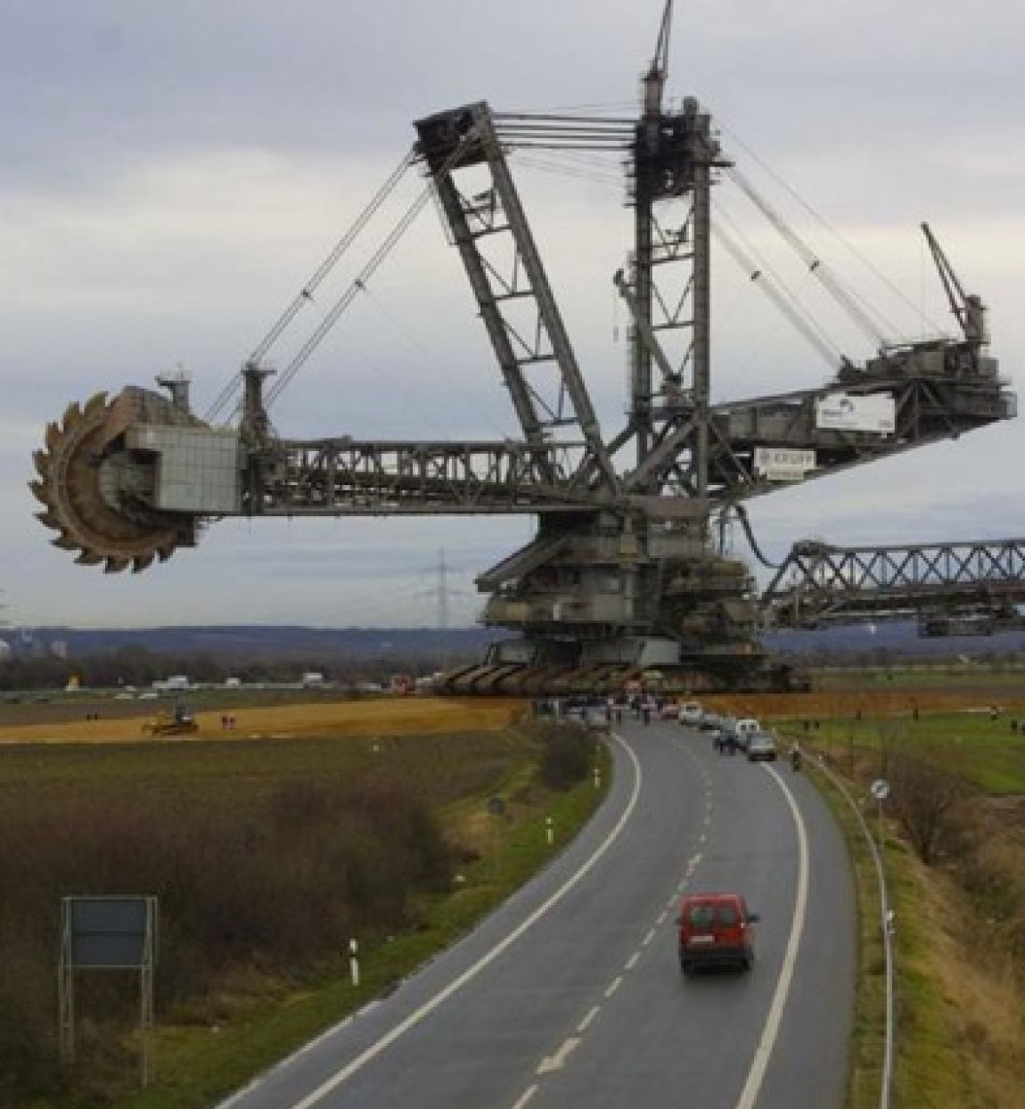 The Bagger 288 A Ginormous Excavator That Is Technically