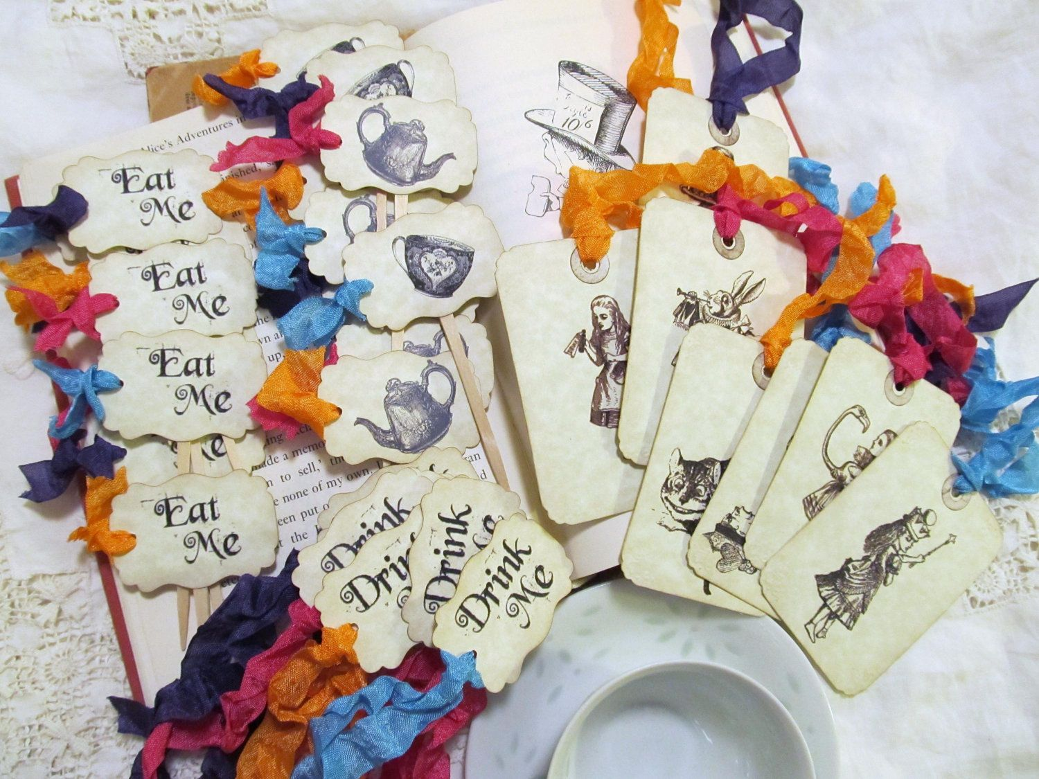 Alice In Wonderland Decoration Alice In Wonderland Tea Party Decorations Pack For 18 Choice Of