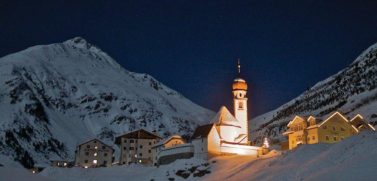 Der Bergdoktor 8 Staffel Die Lebenden Und Die Toten 1 Im Kino Tv Produktionen Cine Tirol Travel Landmarks Natural Landmarks