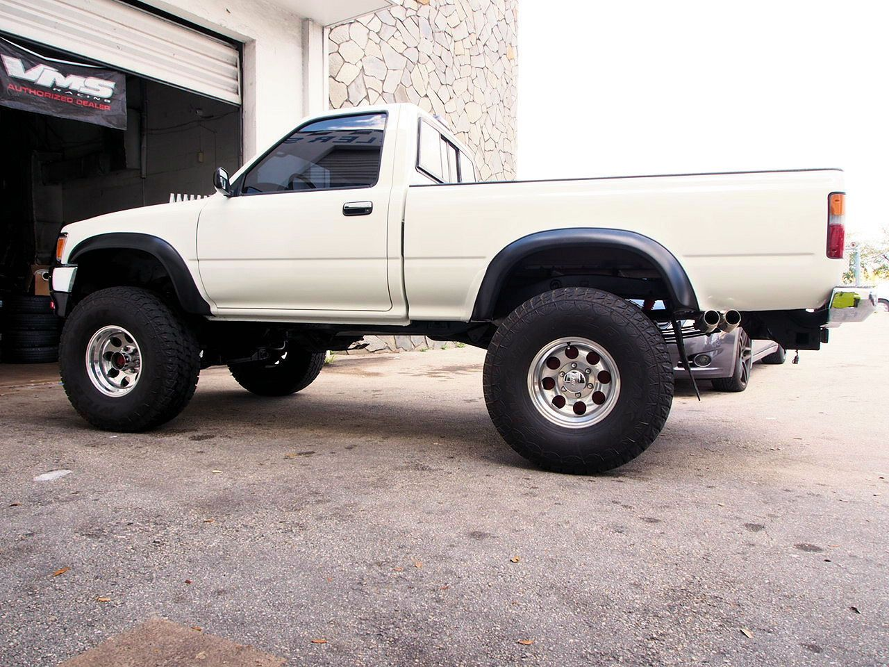 medium resolution of 95 toyota pickup