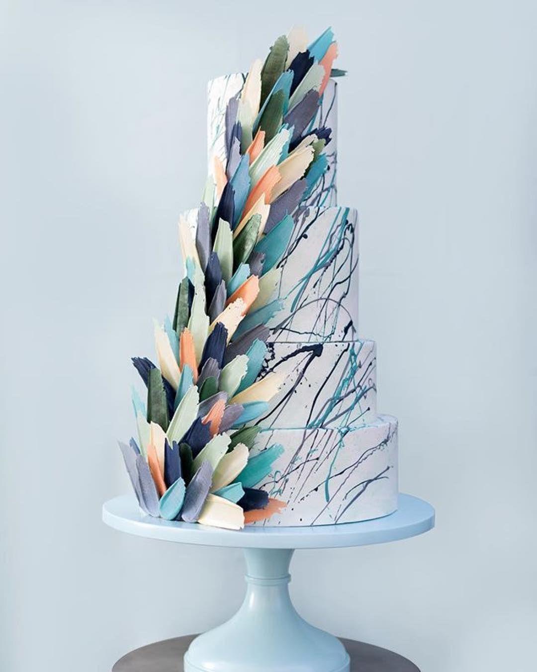 #sarahsstands #cakestandlove #cakedesign #cakedecorating #cakeart #cakeartist #cake #wedding #weddingcake   #dessert  #bluecake #blue #kalabasa_inspiration