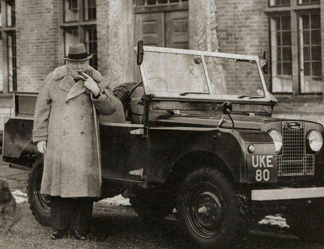 Land Rover Defender Series 4x4 offroad Legend #LandRover #Series #Defender #vintage #posters #LandRoverDefender #adventure #offroad #LandRoverDefenderLegend