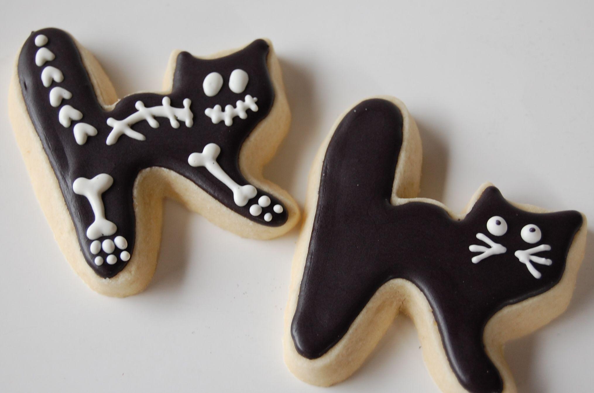Halloween cat cookie cutter #halloweencookiesdecorated