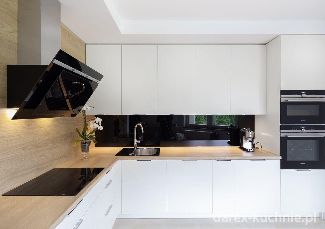 Biala Kuchnia W Ksztalcie Litery L Darex Kitchen Design Modern Kitchen Design Modern Kitchen