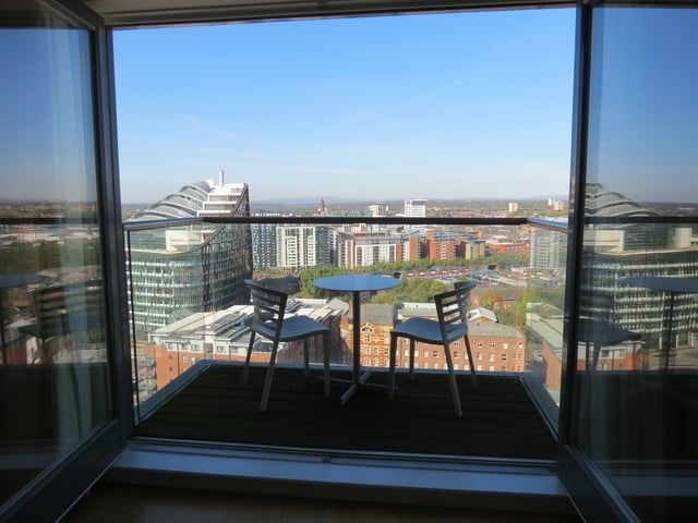 Need A Property To Rent Within Manchester City Centre Call Our Lettings Team On 0161 235 5333 Or 0 Manchester City Centre Property For Rent Skyline