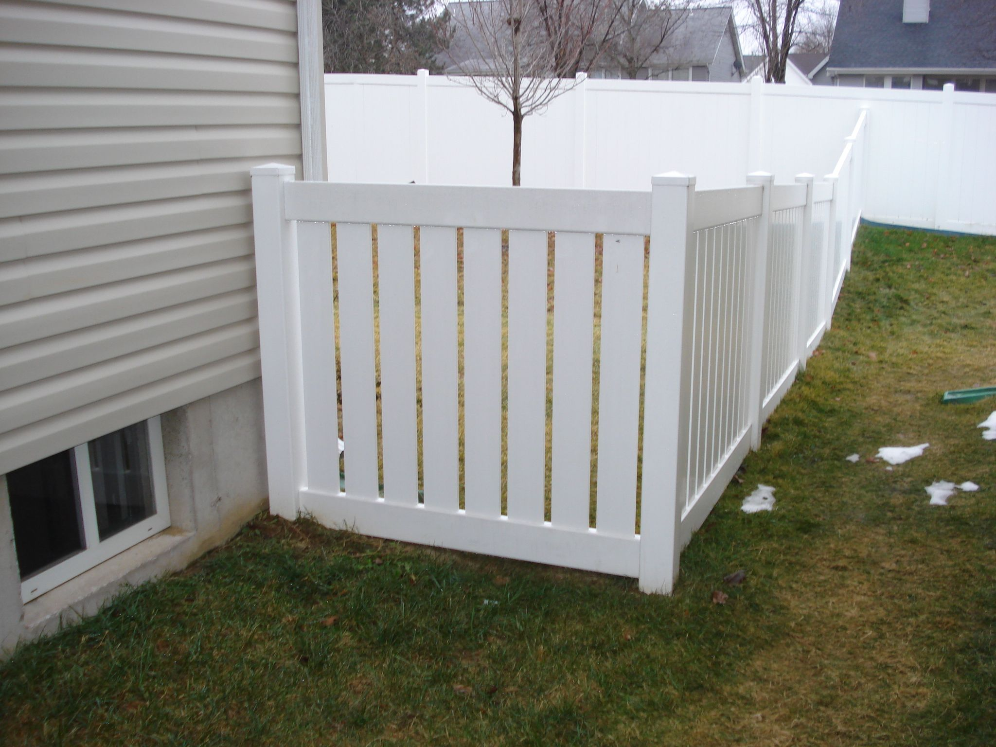 White vinyl fence install st peters mo a landscape solutions oooo la la pinterest - Pvc fencing solutions ...