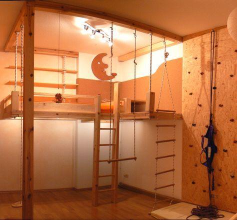 ein kindertraum hochebene mit treppe strickleiter kletterwand sicherheitsgurt indirekte. Black Bedroom Furniture Sets. Home Design Ideas