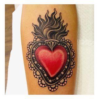 Sacred Heart Tatuaggi Sacro Cuore, Tatuaggi A Fiamma, Arte Del Tatuaggio  Tradizionale, Tatuaggi