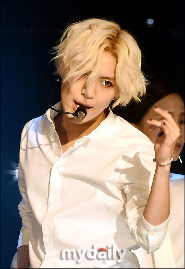 Taemin With Blonde Hair Long Hair Styles Taemin Long Hair