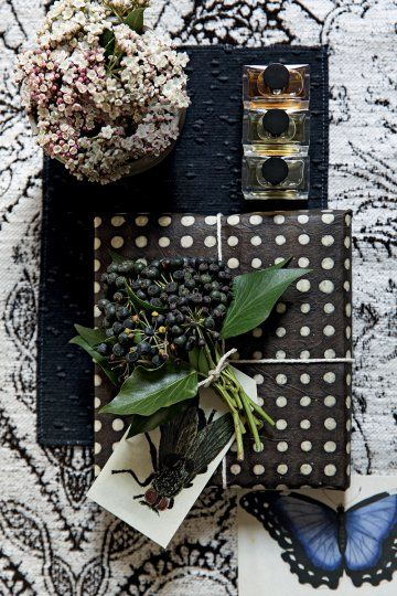 Des paquets cadeaux fleuris- DIY wrapped gift - Marie Claire Idées