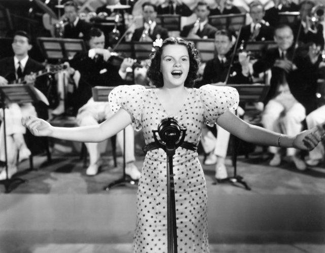 Judy Garland in Pigskin Parade (1936)