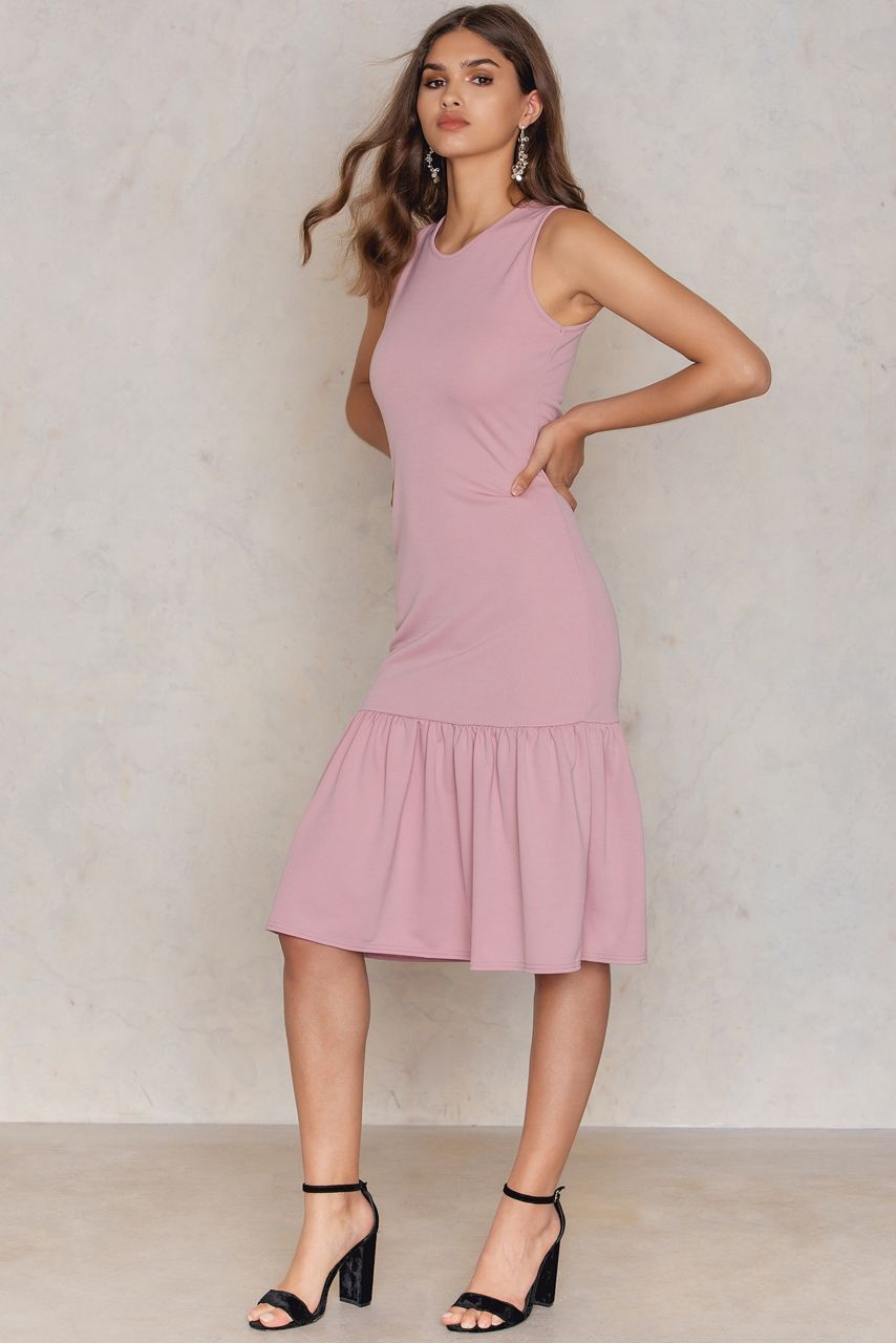 Look great with minimal effort the drop waist dress by boohoo comes
