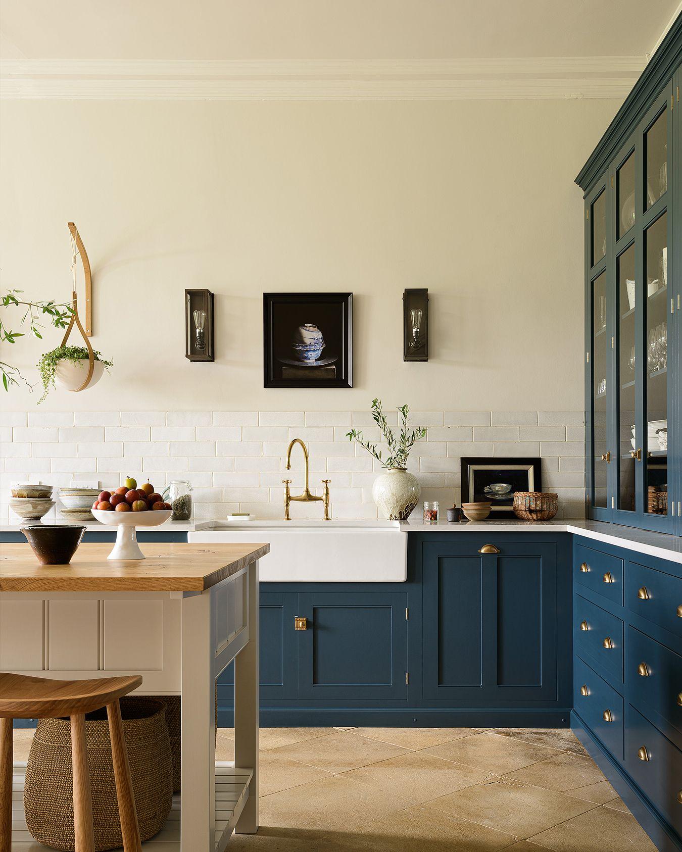 bespoke kitchens by devol classic georgian style english kitchens devol kitchens on kitchen interior classic id=15310