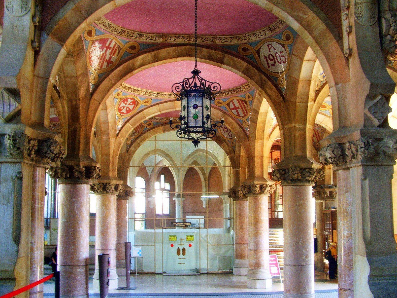 Barcelona  Hall De Hospital De La Santa Creu I