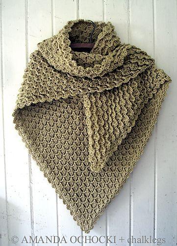 Ravelry: chalklegs\' candlewick shawl. Everything she makes is ...