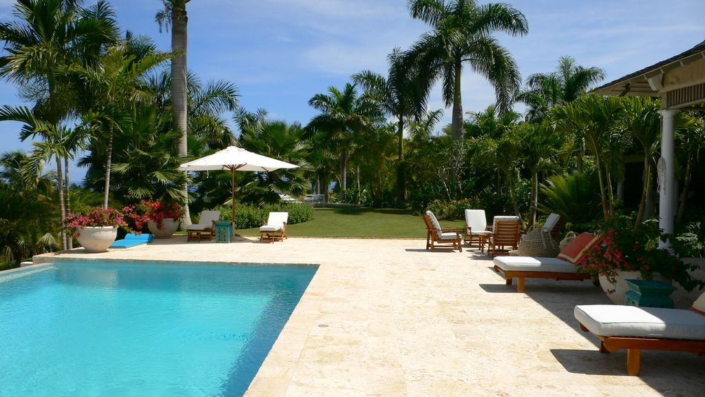 Pool Tropical Landscaping Ideas white stone tiles tropical pool highland garden | pools