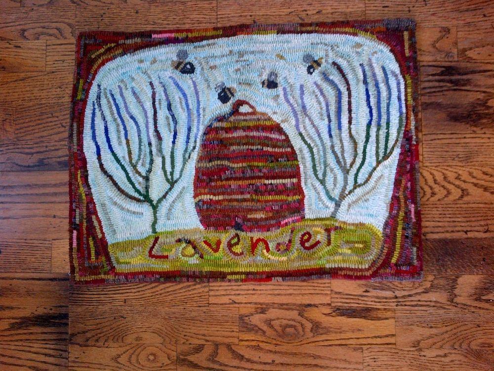 18in x 25in HAND MADE PRIMITIVE STYLE HOOKED RUG ~ Lavender, Karen Kahle design #Primitive #MargaretZenk
