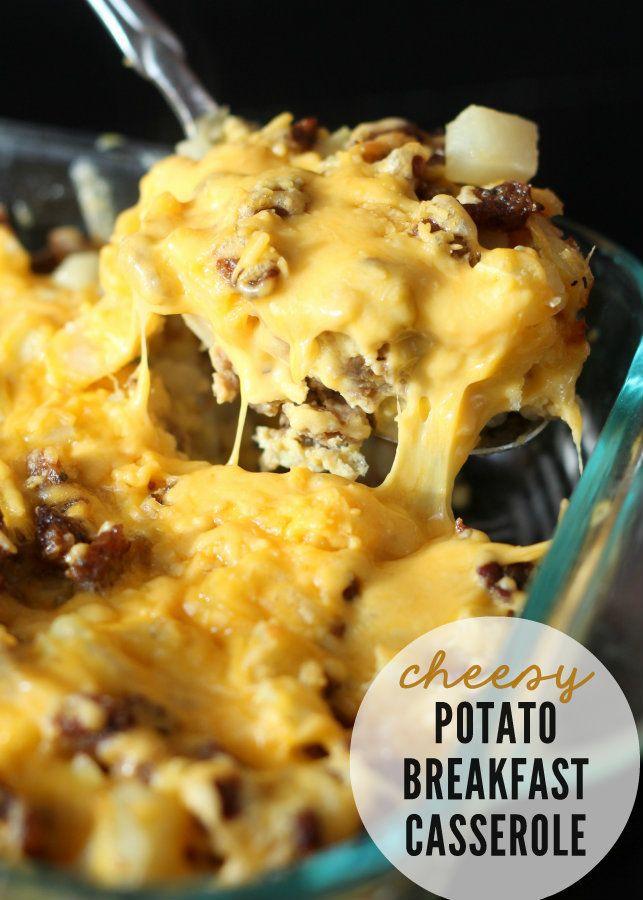 Delicious, easy and quick Cheesy Potato Breakfast Casserole { lilluna.com } Great idea for Christmas morning!