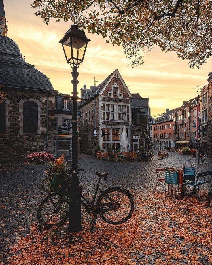 Autumn Memories - Aachen, Germany Autor: Joanne Howard Schleker.b ...   - autumn - #Aachen #Autor #Autumn #Germany #Howard #Joanne #Memories #Schlekerb #autumnphotography