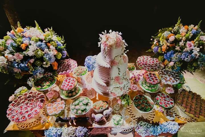 Mesa de doces. Elisa & Herik Studio Decorato