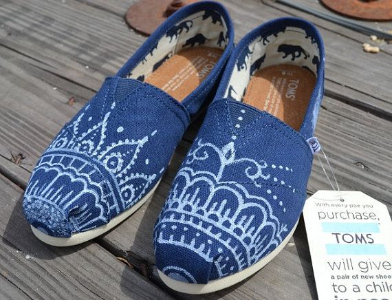 Hand Painted Toms Shoes - Blue and White Mehndi Henna Design Painted Canvas  Shoes Made to