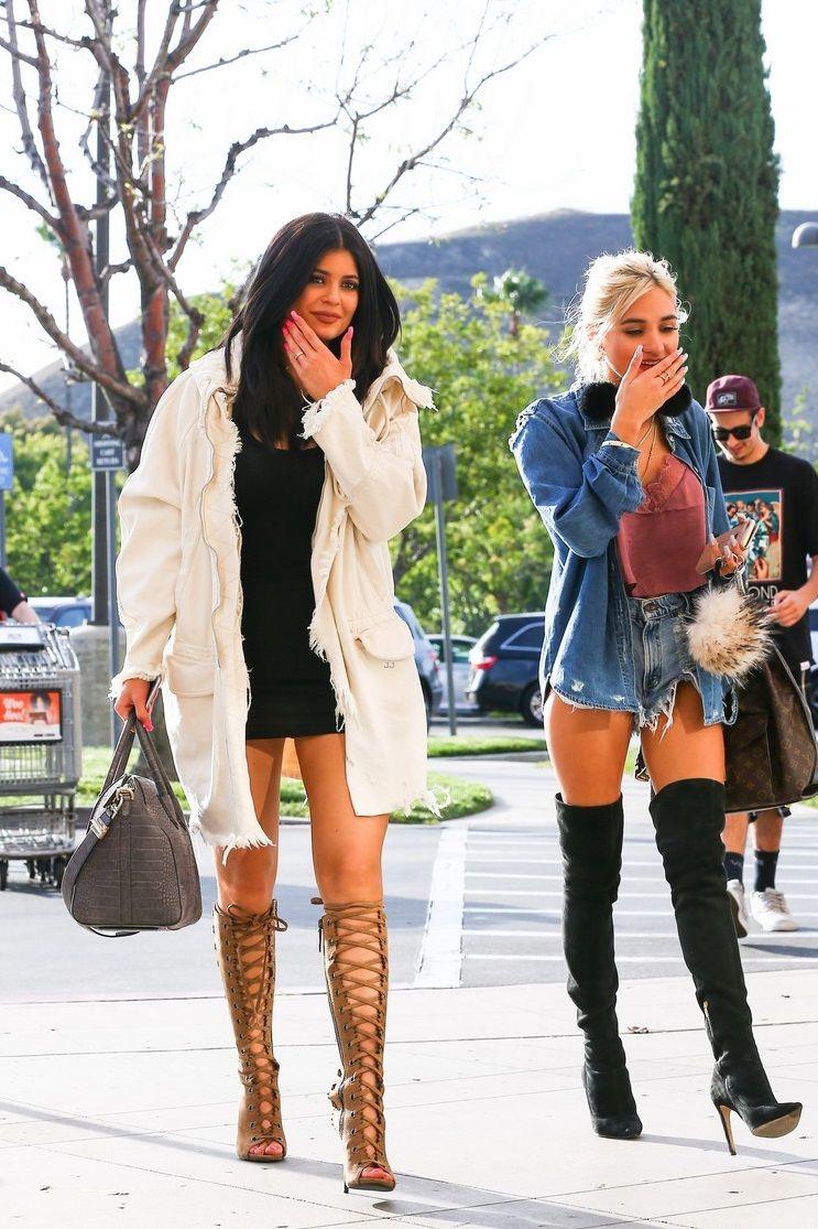 73ff57a31af yeezus-class: x Kardashian Jenner, Kylie Jenner Feet, K Jenner, Kylie