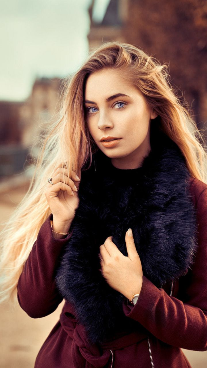 natural beauty girl wallpapers: Blue Eyes, Beautiful, Woman, Model, 720x1280 Wallpaper