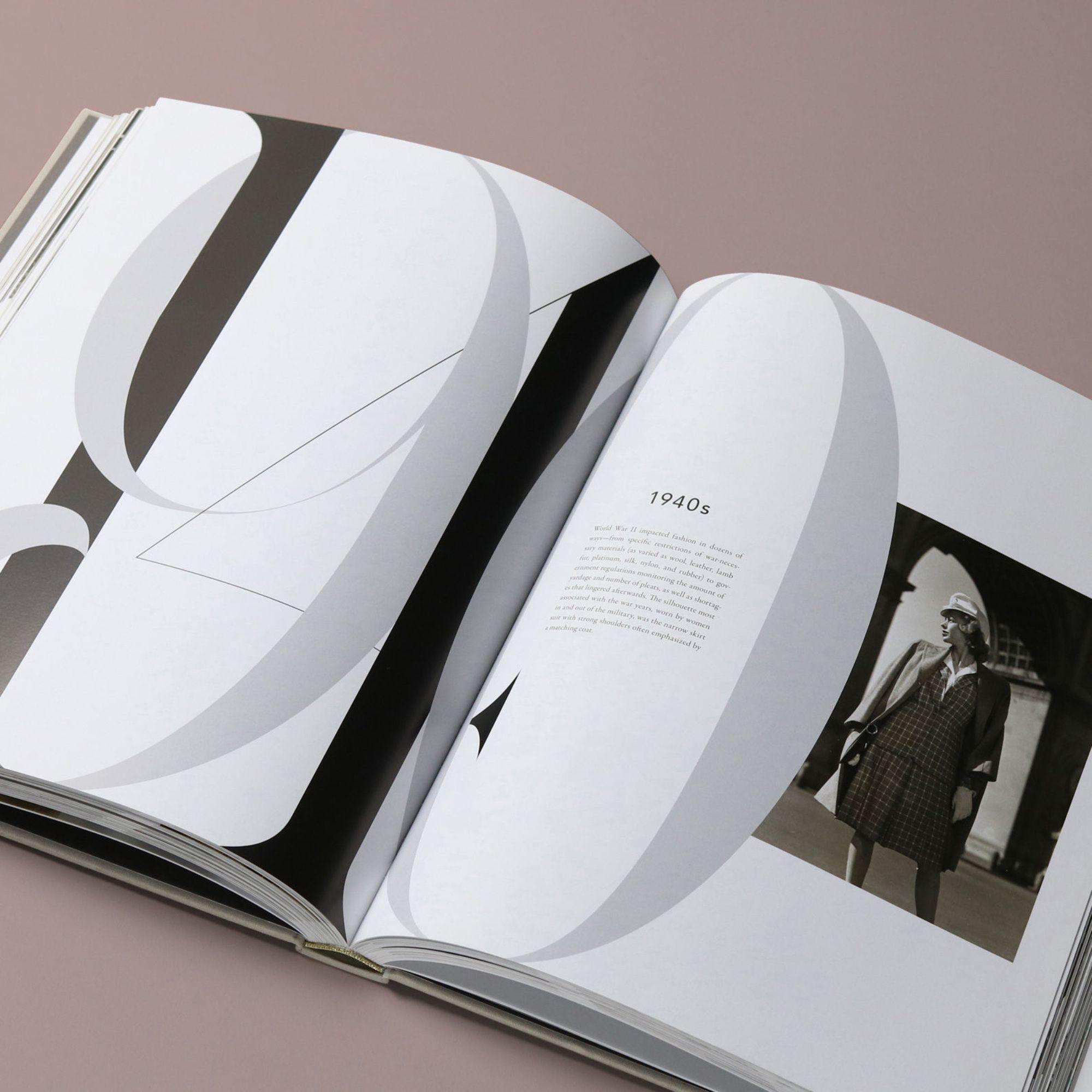mendo-book-fashion-a-timeline-rizzoli-studio-03-e1488987067230-2000x2000-c-default.jpg (2000×2000)