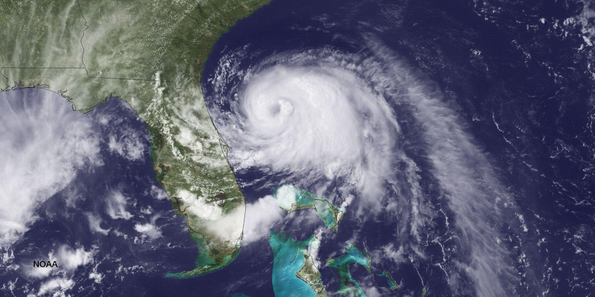 Hurricane Arthur Forces Thousands To Abandon Vacation Plans Atlantic Hurricane Tropical Storm Hurricane